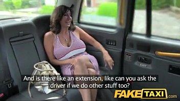 Cu de mulher sendo fodido no Fake Taxi