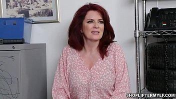 Como baixar video de sexo com gata dando no Shoplyfter