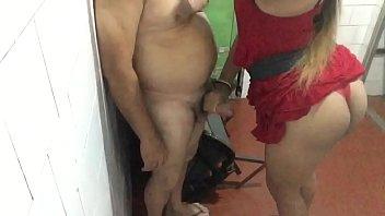 Sexo travetis gemendo gostoso demais